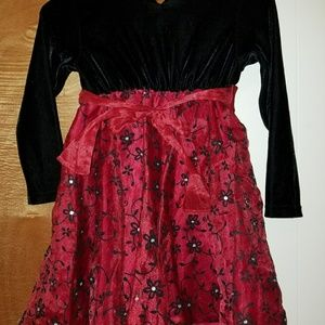 Other - Girls Dress Size 5